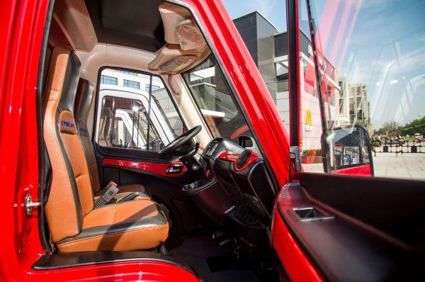 cenntro-metro-interior-cockpit