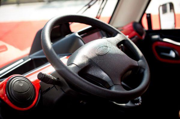 cenntro-metro-interior-steering-wheel